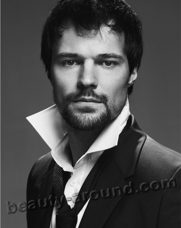 Самые красивые актёры россии мужчины список с