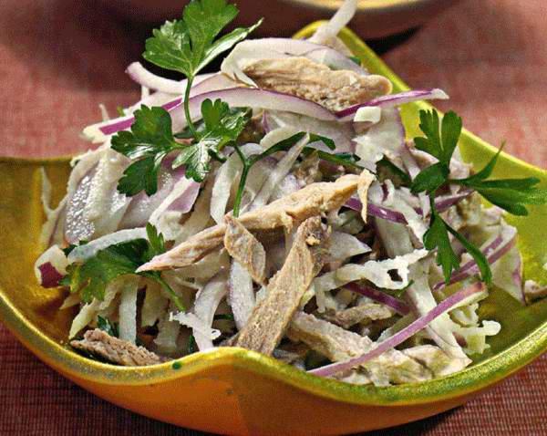 Салат с мясом и редькой