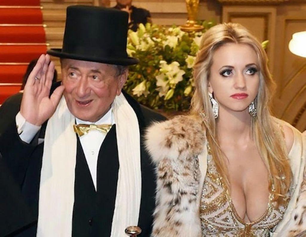 Фото старый миллиардер и молодая девушка 2 фотография