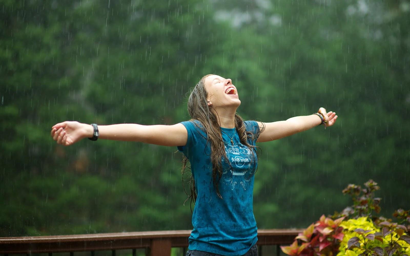 Фото девушка и дождь