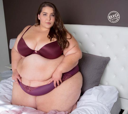 Секс с пышечками видео просмотр извиняюсь