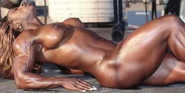 muskulistie-golie-striptizeri
