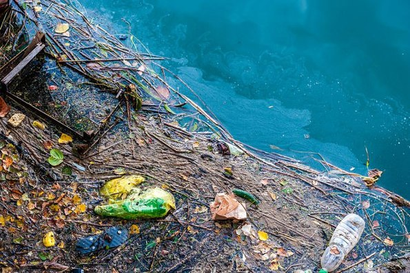 sea pollution Edit: yes you can use this for school or whatever please credit me, though kthnx my ocean polltuion video for science hw - slideshow.