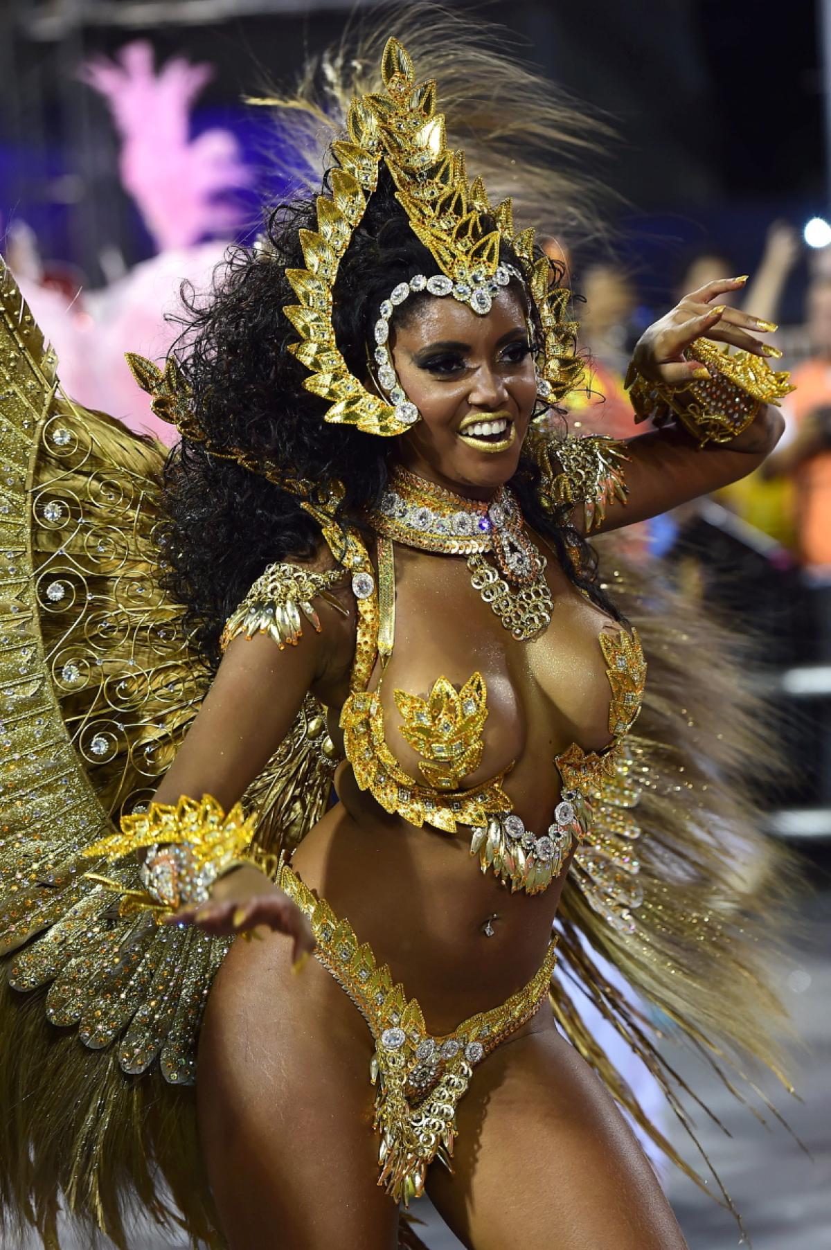 Тёлки бразильского фестиваля 5 фотография