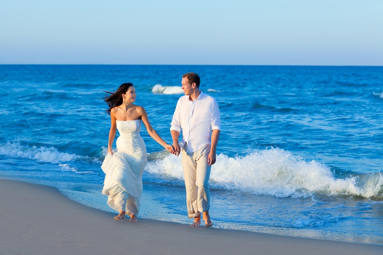 Массаж россии жена гуляет по берегу
