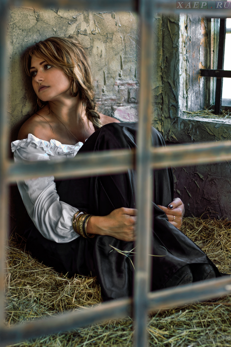 фото женщины в цепях и кандалах - 12