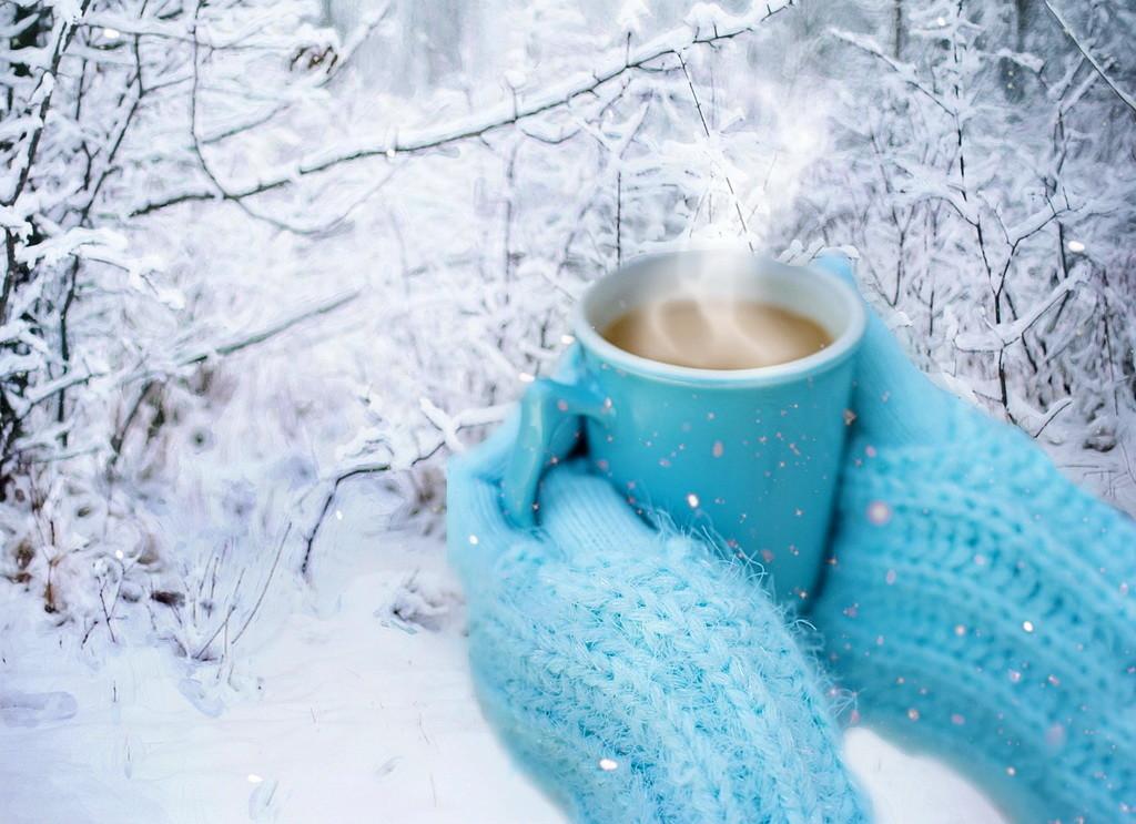 с добрым утром зимние картинки убирают снег нее обратили