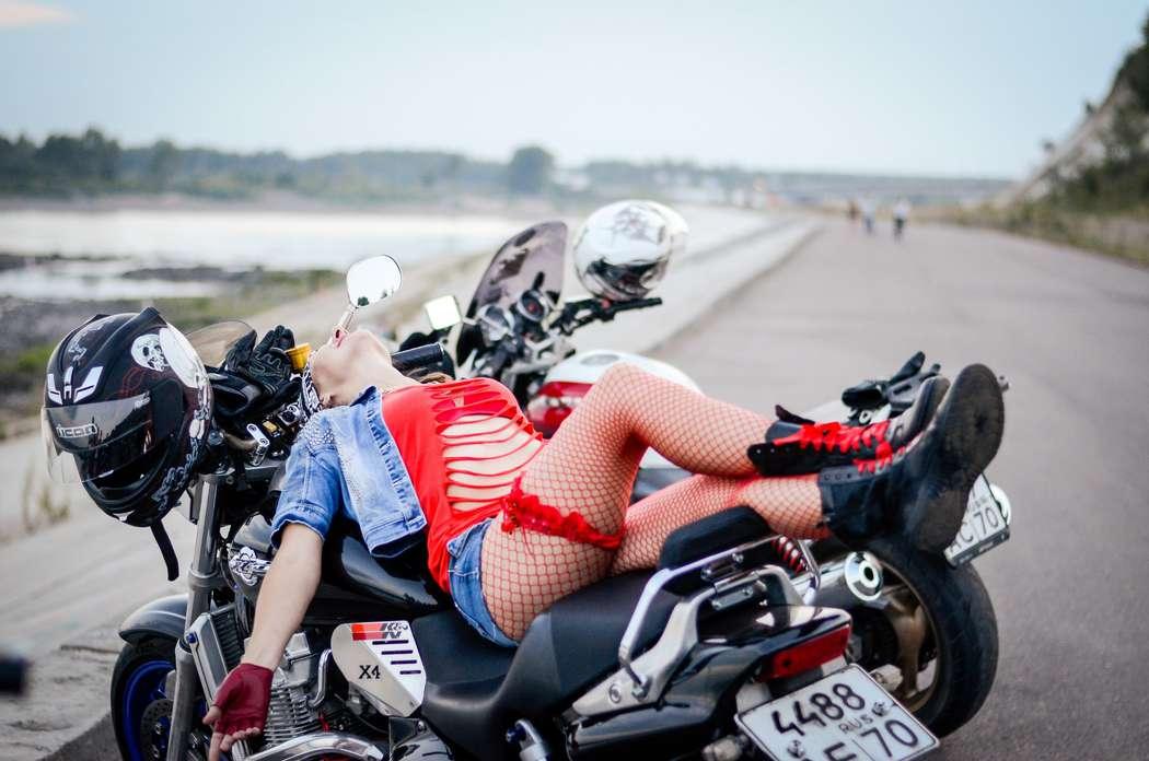 karachkah-seks-na-mototsikle-igri