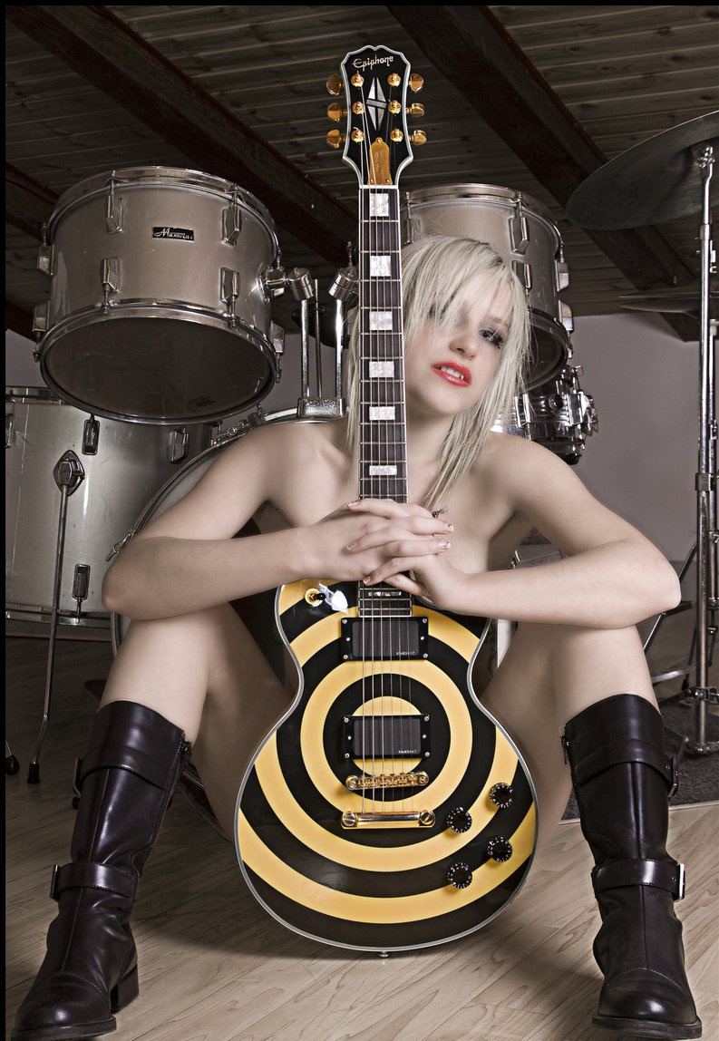 sexy-girls-playing-guitar-www-sexyhot-indian-antyfucking-guy-viedos-only-com